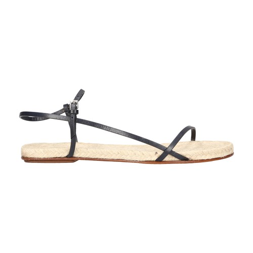 Bare flat leather sandals