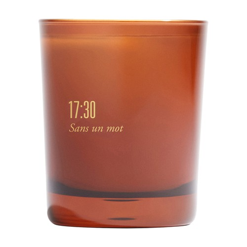 Scented candle 17:30